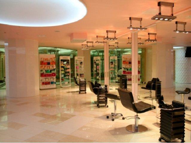 Количество работающих в столице РФ салонов красоты достигло 5,5 тыс.