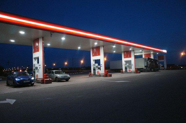 Российских нефтяников могут заставить реализовывать 95% бензина на территории РФ