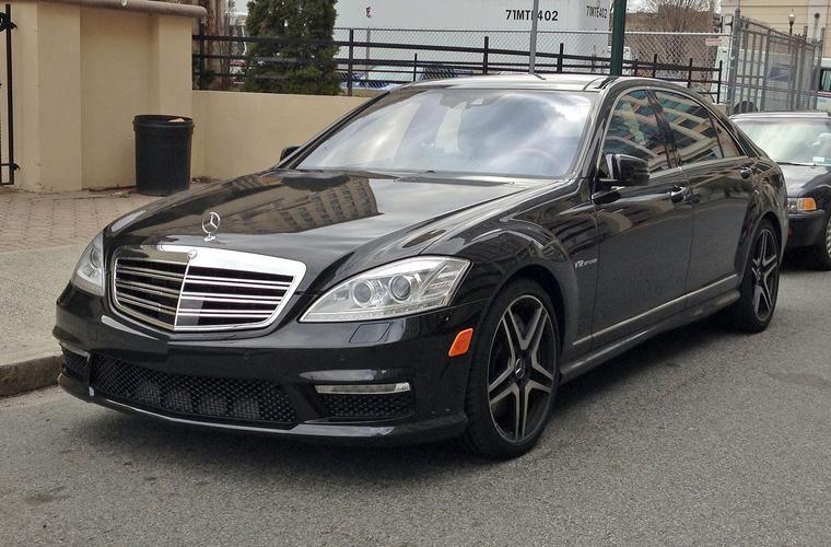 Наибольшую прибыль столичным автосалонам приносят продажи Mercedes-Benz