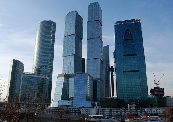 Москва вошла в ТОП-10 городов с наиболее дорогостоящей арендой деловых офисов в высотных зданиях