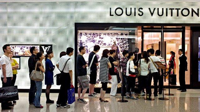 Китайцы поддержали спрос на люксовые товары в Москве