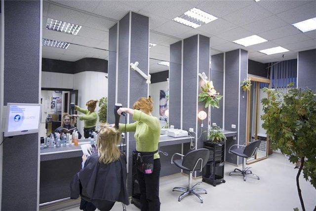 Уже через пять лет в Москве может остаться лишь половина ныне действующих парикмахерских