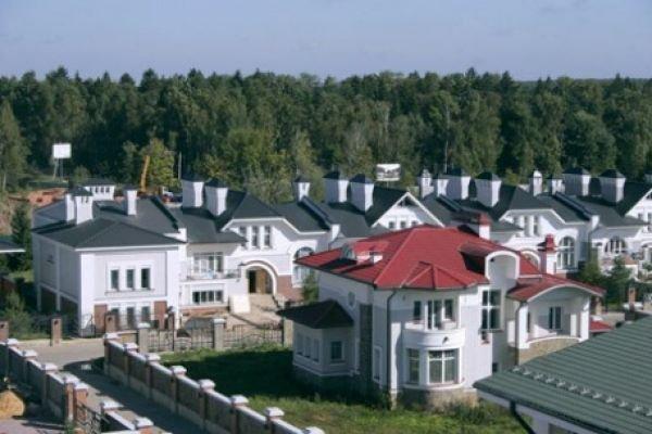 Обитатели домов в элитных районах Подмосковья начали переезжать в центр Москвы