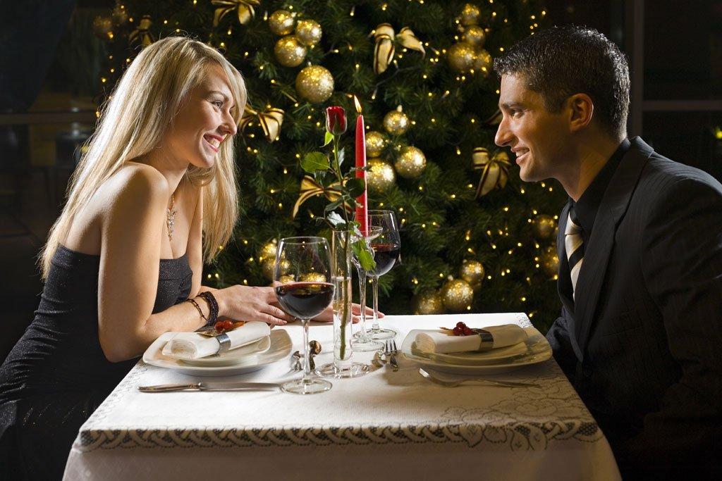 Названа минимальная стоимость новогоднего ужина в ресторанах Москвы