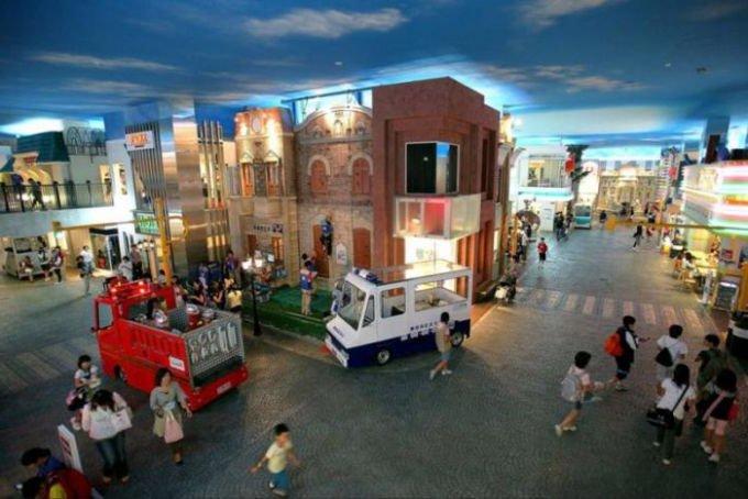 Детский мини-город Kidzania заработал в ТРЦ «Авиапарк»
