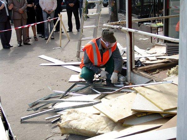 Мэрия Москвы пообещала трудоустроить всех без исключения работников снесенных объектов