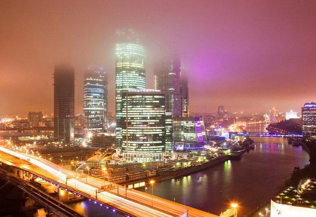 Столичные власти решили повременить со строительством очередного небоскреба