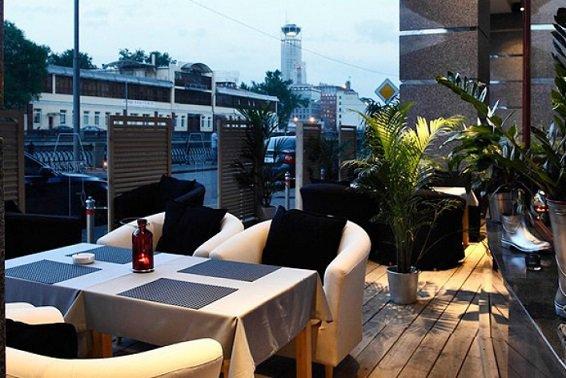 Летние кафе в Москве могут заменить круглогодичными верандами