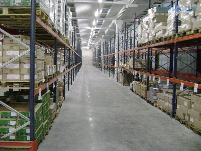 Несмотря на рекордные сделки, девелоперы откладывают ввод новых складов