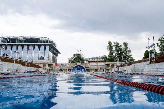 На бассейн «Чайка» претендует экс-губернатор Приморья