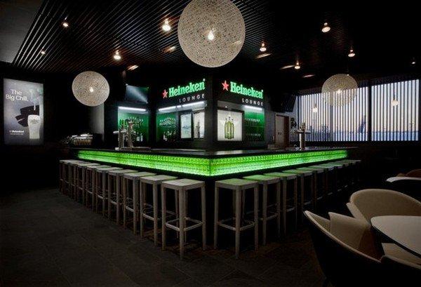 «Heineken» решила продвигать свою продукцию с помощью бара в Москве
