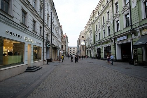 Столешникову переулку удалось попасть в ТОП-5 наиболее прибыльных улиц планеты