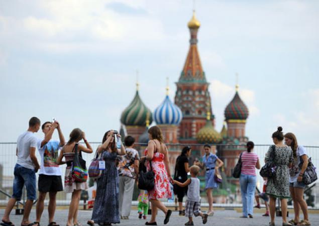 Число иностранных туристов пока сокращается, но индустрия надеется на рост