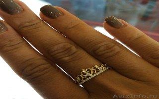 Золотое кольцо в форме короны