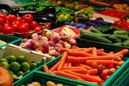 В августе россиян ждет стремительное падение цен на продукты питания