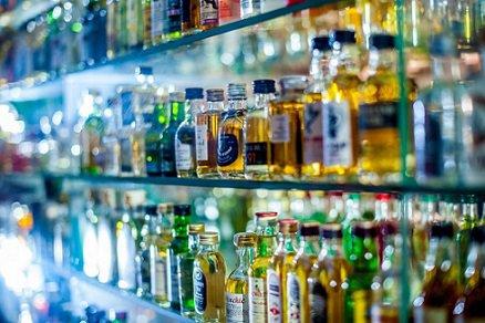 Минпромторг выступил против продажи виноматериалов рядом со спиртным
