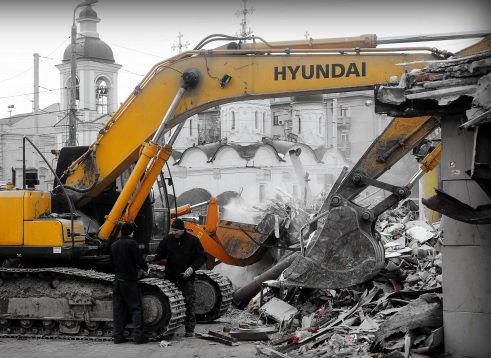 Столичные бизнесмены обратились к властям с просьбой о демонтаже самостроя