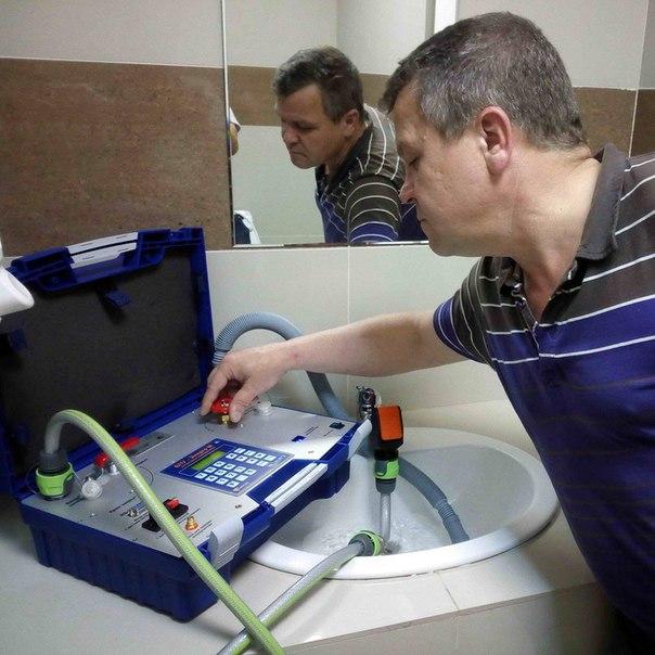 Законно ли проверять водосчётчики на дому
