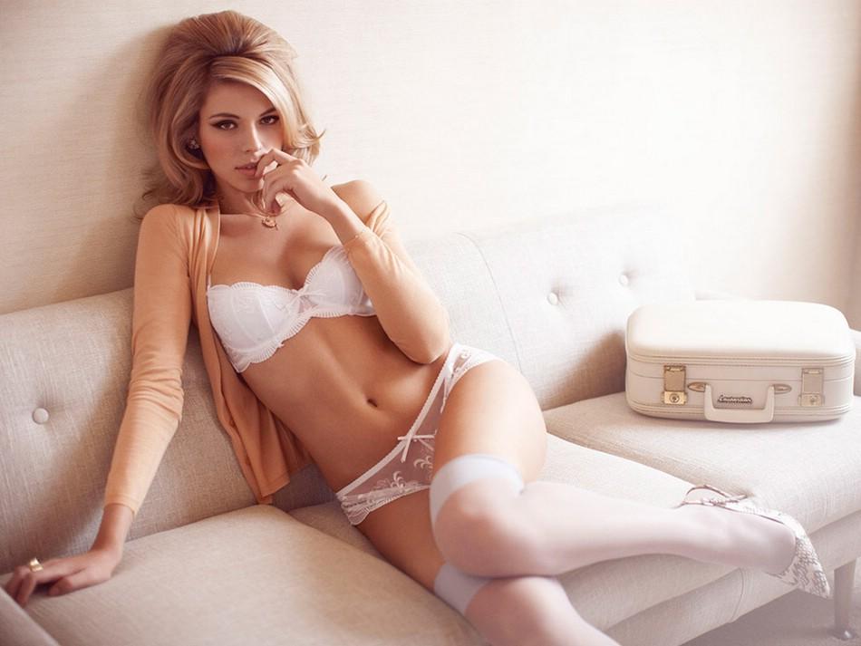 Красивое и сексуальное прозрачное нижнее эротическое белье