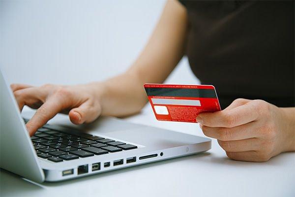 Представители онлайн-торговли жалуются на высокую стоимость эквайринга
