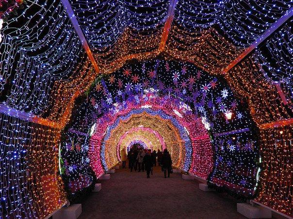 Дорогая подсветка Москвы