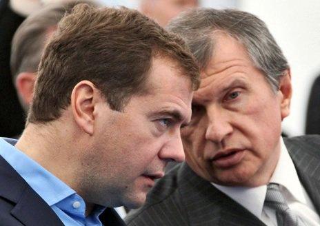 Медведев дал добро на санацию «Пересвета» по просьбе Сечина