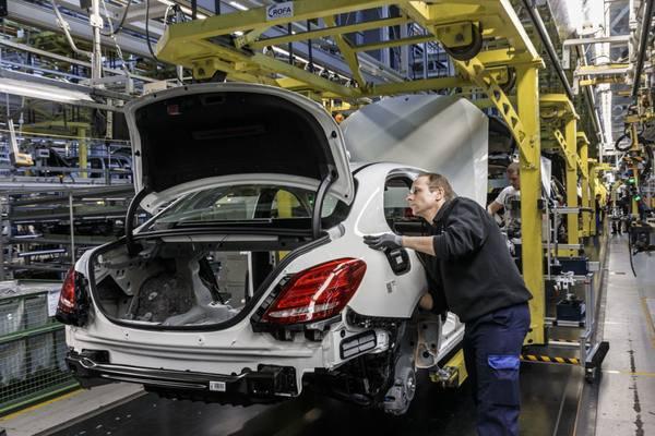 Глава Минпромторга пообещал скорый запуск подмосковного завода Mercedes