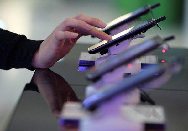 В прошлом году продажи телефонов в РФ увеличились на26,3%