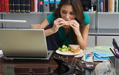 Тиньков посоветовал собственным сотрудникам меньше есть на рабочем месте