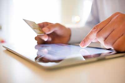 Банковская кредитная карта - удобный способ оплаты товаров