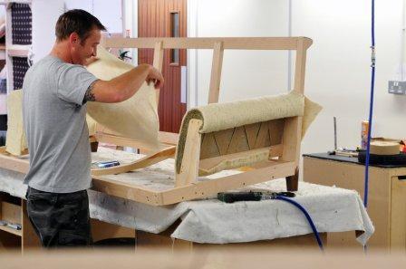 Где быстро и выгодно отремонтировать мебель в Москве?