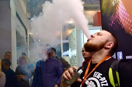 Мосгордума приравняла вейперов к обычным курильщикам