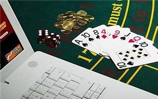 Играем в покер в онлайн-казино по всем правилам