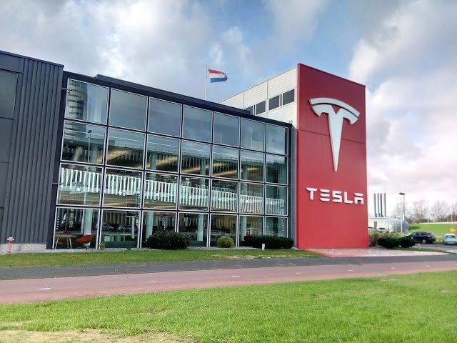 В Tesla задумались о российском рынке