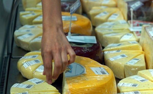 Компания Юрия Лужкова в апреле начнет продавать сыр