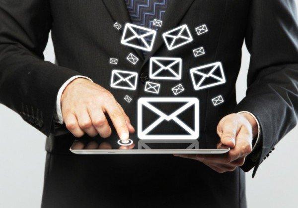 Сотовые операторы наращивают прибыль от смс-рассылок