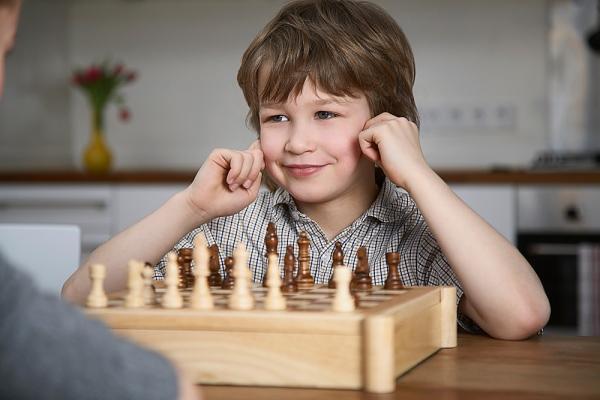 Занятия шахматами для ребенка в VIKI LAND