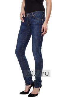 Ультрамодные джинсы skinny: идеальный вариант для обладательницы стройной фигуры
