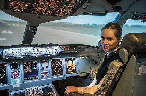 Власти Китая приостановили набор российских пилотов