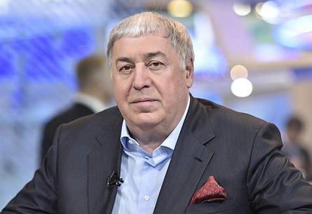 В «РуссНефти» назвали сроки приобретения у Гуцериева его нефтяных активов