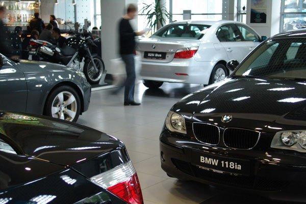 Впервые за 3 года в России выросло число автосалонов