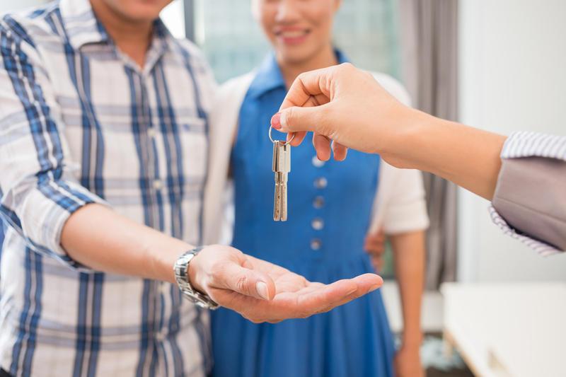 Нюансы аренды квартиры с посредниками и без них