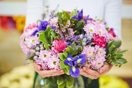Широкий выбор цветов в интернет-магазине