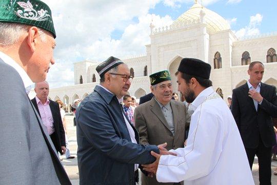 Усманов сдал в аренду свой самолет президенту Узбекистана