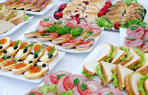 Фуршет в офисе - доставка закусок в Москве