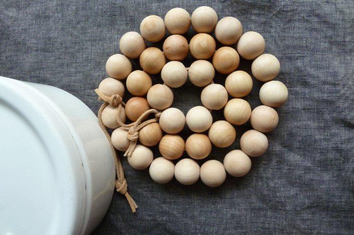 Что можно сделать из деревянных бусин?
