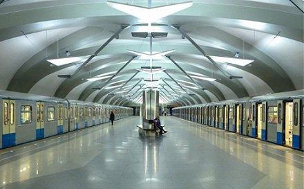 В столичной подземке установят новые стойки «Яндекс.Такси»