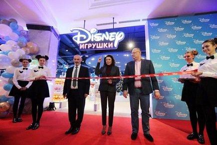 В Москве начал работу первый в стране брендированный магазин Disney