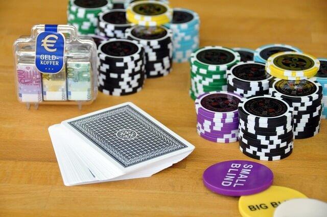 Покерные комбинации и их возможности