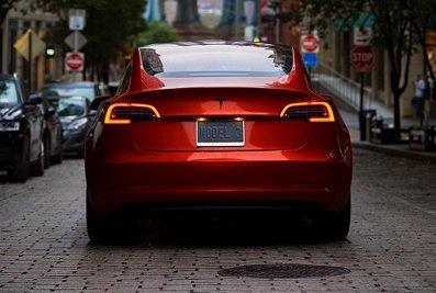 Tesla Model 3 станет доступна для покупки в Москве к концу нынешнего года